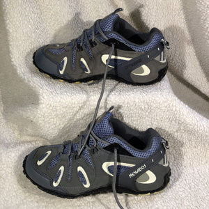 2019-Aug-07 Woman's Nevados Hiking shoes Size 7.5